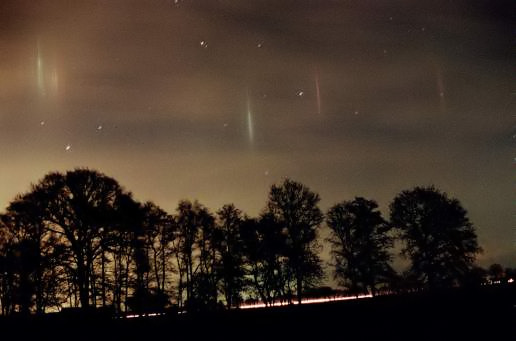 light pillars near Helvesiek, Germany
